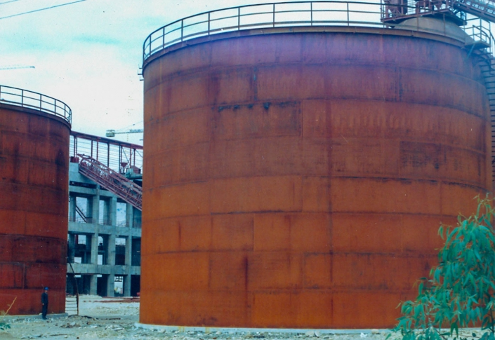 Heavy fuel storage tanks- Karoun cement